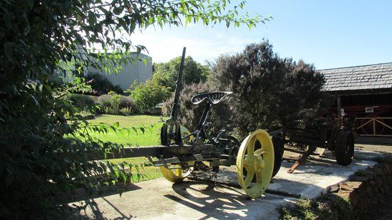 Deloraine & Districts Folk Museum : Outside the museum