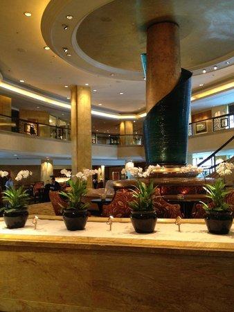 Shangri-La Hotel Kuala Lumpur: ロビー