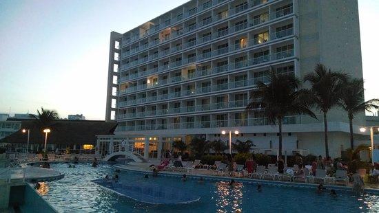 Krystal Cancun: club krystal