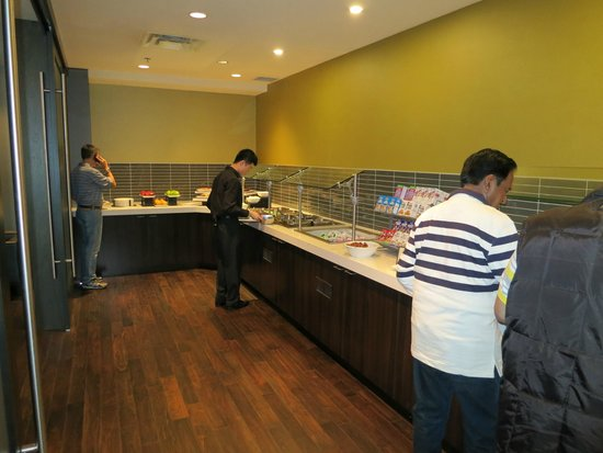 "Hilton Vancouver Airport: Breakfast buffet at ""Cavu"""