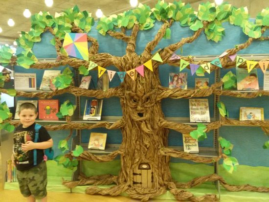 Seattle Public Library: A paper tree in the children's room