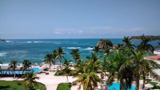 Dreams Huatulco Resort & Spa : Playa y Albercas