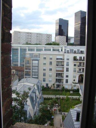 Home in La Défense : View