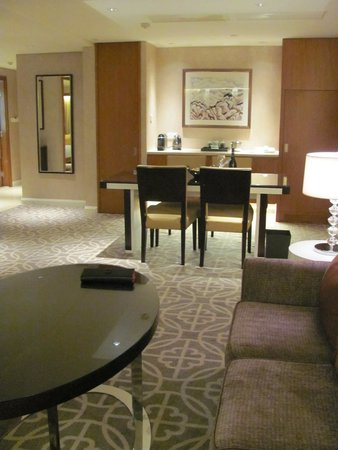 Grand Hyatt Beijing: Living/Dining area of 2-bedroom Club Deluxe room