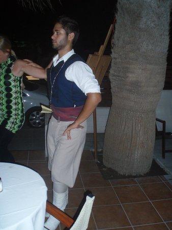 Kriti Beach Hotel: греческие танцы