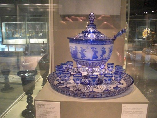 Corning Museum of Glass: Vintage Cobalt Glass Punch Bowl Display