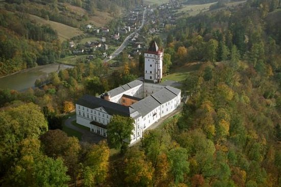 Hradec nad Moravici, Repubblica Ceca: The View of White Chateau and Garden