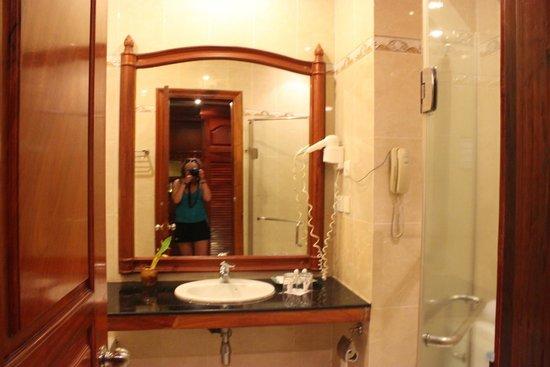 Apsara Holiday Hotel: ванна