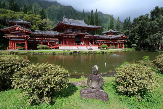 Byodo-In Temple : Byodi-In means temple of inclusion.