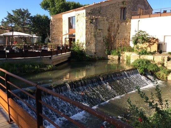 Clarion Suites Narbonne Ile Du Gua: restaurant at the Clarion Suites hotel