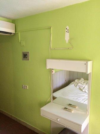 Artemis Yoruk Hotel : Da war mal ein Fernseher