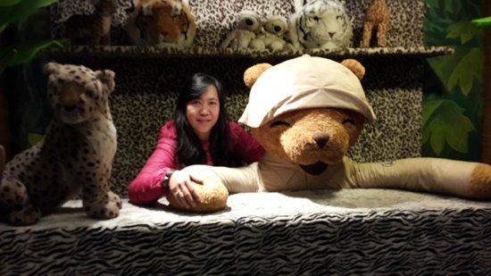 Teddy Bear Museum Jeju: big teddy