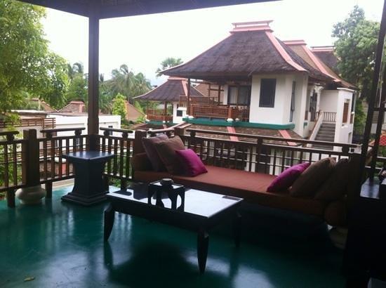 The Briza Beach Resort Samui : outdoor living area