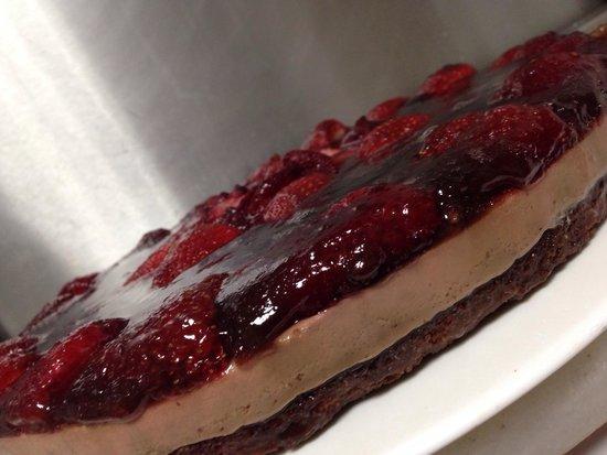 El Llar: Brownie de chocolate mousse de chocolate y fresas
