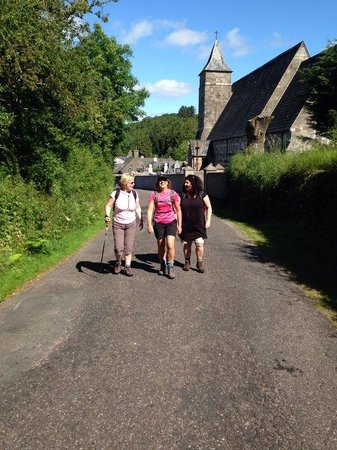 Hanora's Cottage: Setting off on a walk on a sunny morning