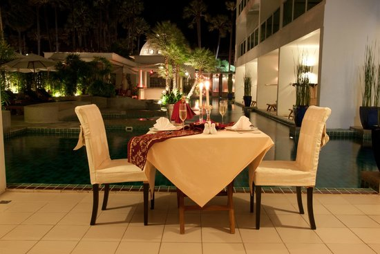 Chanalai Romantica Resort: Candle lit dinner