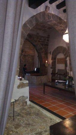 La Torre del Canonigo: Cozy lobby