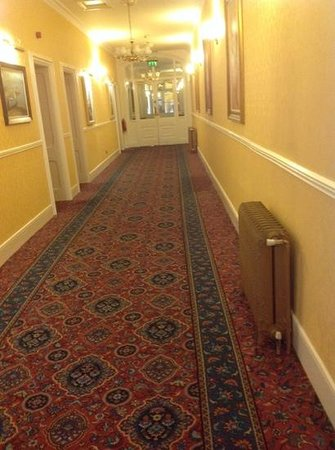 Ambassador Hotel & Health Club Cork: Grand corridors!