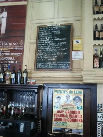 Casa Morales: Here was the tapas menu for the day