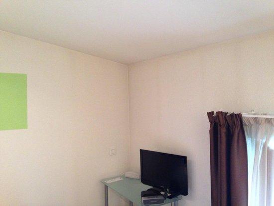 Privilodges Le Royal - Apparthotel : La peinture des murs demanderais un coup de propre !