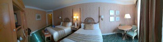 Disneyland Hotel: Chambre 2317 Castle Club