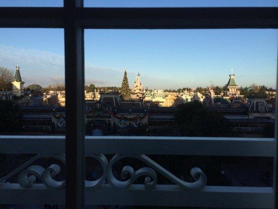 Disneyland Hotel: Vue Castle Lounge