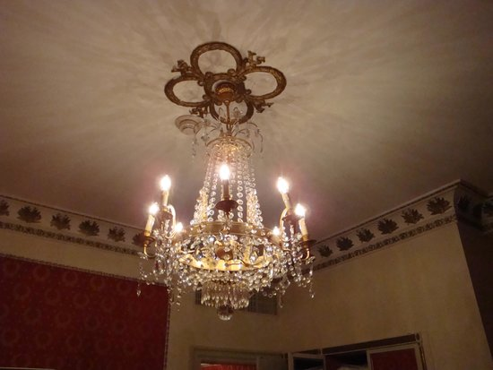 The Westin Excelsior, Rome : Light above the bed
