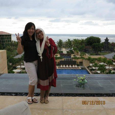 Mulia Resort: depan beranda,