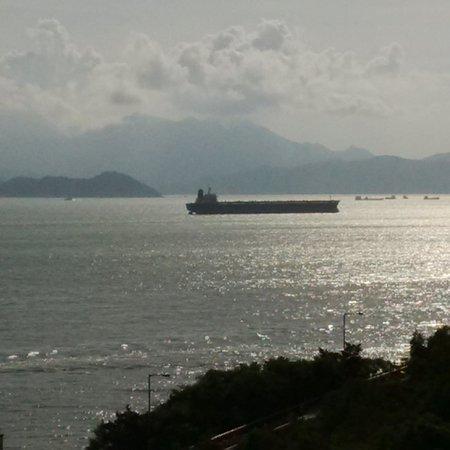 Le Meridien Cyberport: Half sea view
