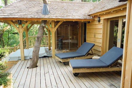 Châteaux Dans les Arbres : spa sauna