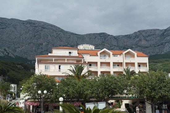 Hotel Laurentum : hotel