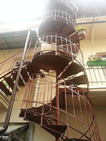 Pokoje Goscinne Wislna: Stairs to rooms