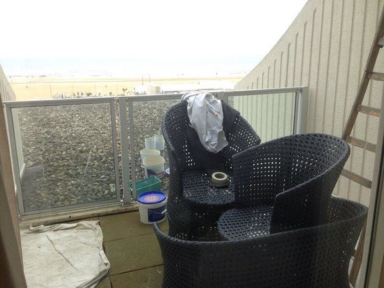 Carlton Beach: Bouwvakkers..