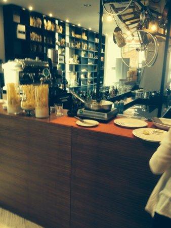 Hotel Repubblica Marinara : Limited hot breakfast Buffett