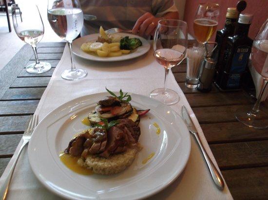 Di Wine Restaurant & Wine Cellar: Duck with orange sauce!