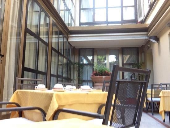 Hotel San Gallo Palace: Sala colazione all'esterno