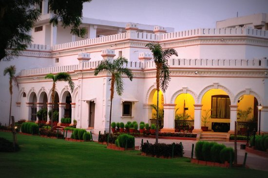 Hotel Harsh Ananda: Colonial Architecture