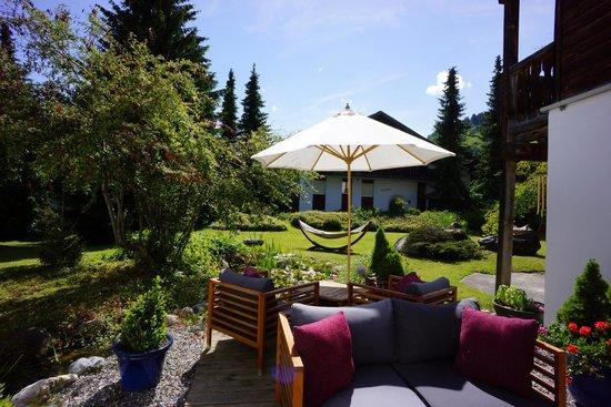 Hotel Bellaval: Gartenterrasse / garden terrace