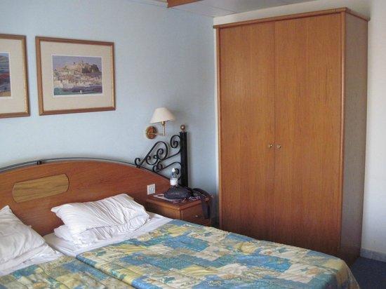 Hotel Santana: Main Room
