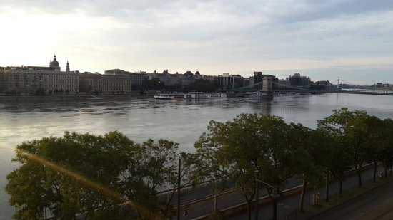 art'otel budapest: From the room (512), early in the morning.