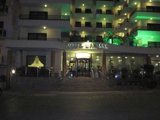 Hotel Santana: Hotel Frontage