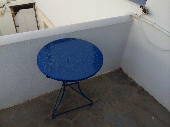 Moschoula Studios & Apartments: il balcone della stanza