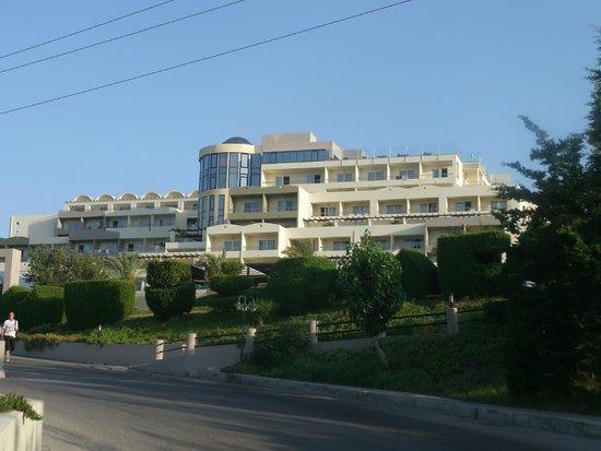 Kipriotis Panorama Hotel & Suites: Auf dem Weg ins Hotel