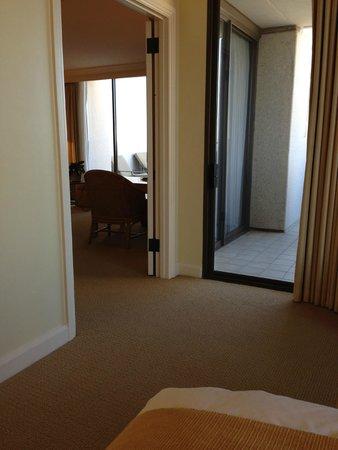 Island Hotel Newport Beach : corner suite with two big balconies