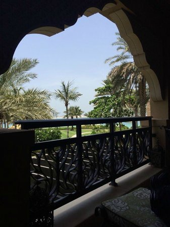 Residence & Spa at One&Only Royal Mirage Dubai: furnished balcony
