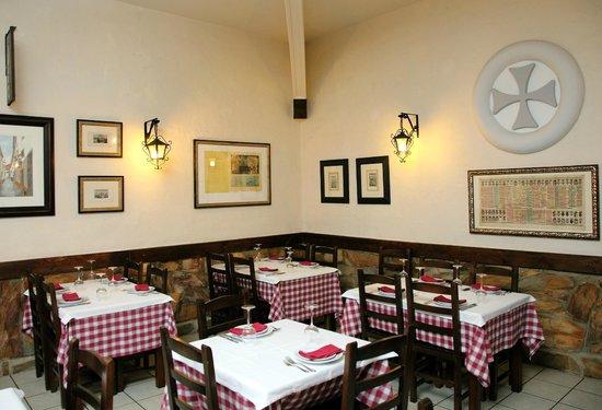 Taverna Lusitana: comedor