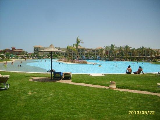 Jaz Aquamarine Resort : Baseny