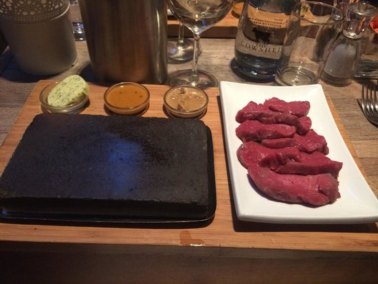 The Cowshed : Steak on a hot stone