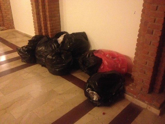 Bodrum Imperial: Rubbish in our block entrance left for each evening and sometimes through night