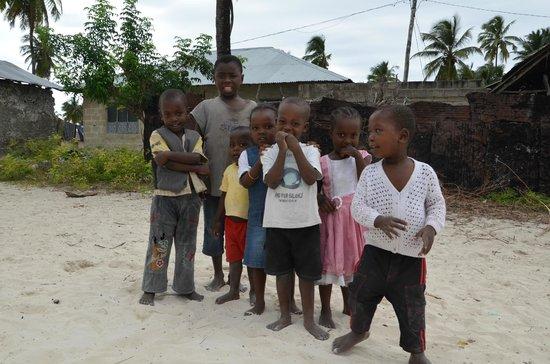 Breezes Beach Club & Spa, Zanzibar: Les enfants du village